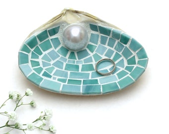 Large Mosaic Sea Shell Beach Wedding or Engagement Ring Dish in Sea Green Stained Glass