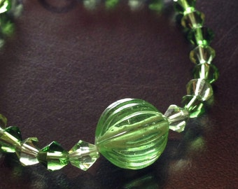 Green with accent bead bracelet