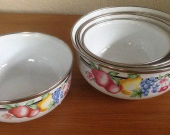 Vintage GMI Enamel Nesting Bowls - Set of 5