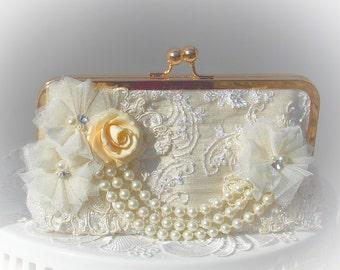 Ivory Wedding Clutch / Pearl Wedding Clutch / Bridal Clutch / Romantic Wedding / Ivory handbag