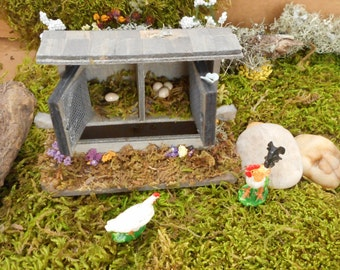 Miniature Chicken Coop ~ Chicken House ~ Dollhouse Miniature ~ Fairy Garden ~ Farm ~