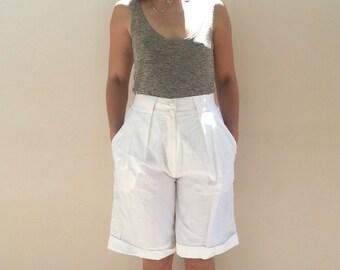 White pants / high waisted / Vintage 90s / women pants /  women Shorts / size small, Wide Leg pants