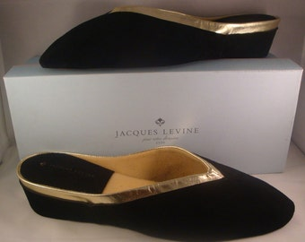 """Vintage Jacques Levine """"V"""" Classic Black/Gold Suede Slippers/Shoes(1970s) Size 10 (New Old Stock"""