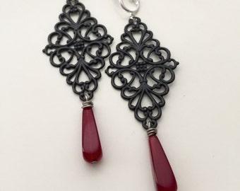 Black and Red Filigree Victorian Long Dangle Clip On Earrings / Bridal Clipon / Drop Clip Earring / Pierced Nonpierced