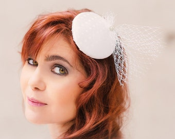Fascinator white polka dots with veil and rhinestones percher mini hat