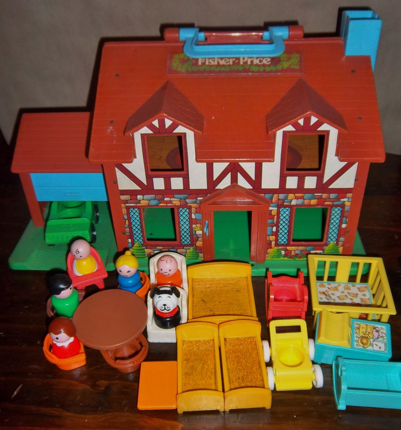 Fisher price doll house furniture - Vintage Fisher Price Little People Tudor House Complete With Nursery Room Furniture Play Family 952 Playset
