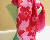 JACQMAR - Seventies square scarf with floral pattern in pink and red colors signed