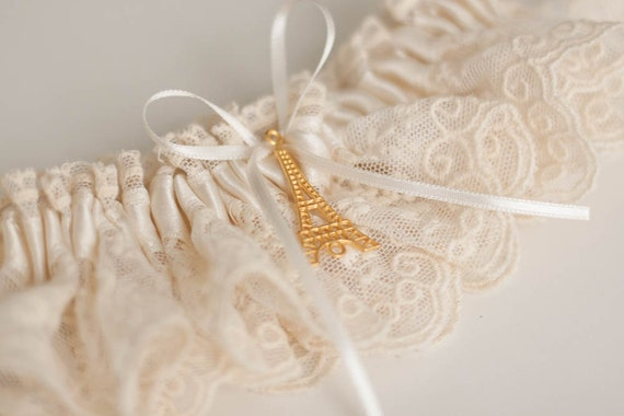 Wedding Garter, Lace Garter, Bridal Garter,  Ivory Garter, Lace Wedding Garter, Vintage Bridal Garter, Rustic Wedding Garter, Paris Wedding