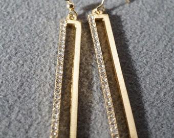 Vintage Art Deco Style Yellow Gold Tone Rectangular Dangle Rhinestone Euro Wire Pierced Earrings Jewelry    K