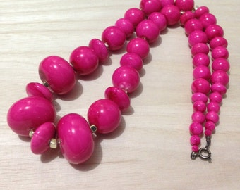 Vintage Hot Pink Lucite Plastic Beads Large Chunky Statement Necklace