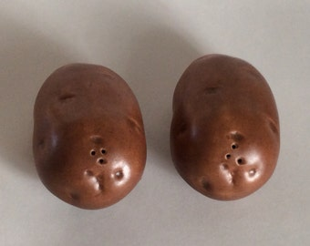 Vintage Ceramic Potato Salt & Pepper Shakers Realistic-looking