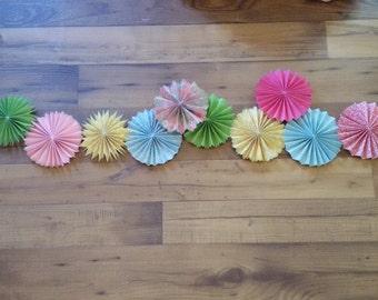 Mini rosettes, small paper fans