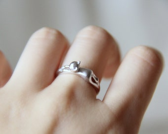 Sterling Silver Cat Ring. Adjustable Kitty Ring. Simple Ring. Animal Ring