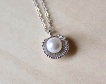 Sterling Silver Shell Pearl Necklace. Simple Necklace. Beach Necklace