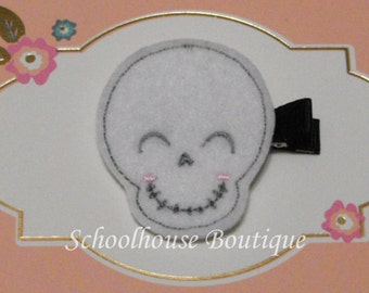 Smiling Skull Felt Hair Clips with your choice of ribbon color,Felties,Feltie Hair Clip,Felt Hairbow,Felt Hair Clippie
