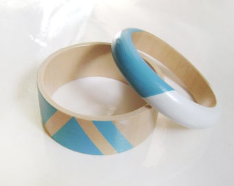 Set of two bracelets . Turquoise with white wooden bangles . Eco jewelry .