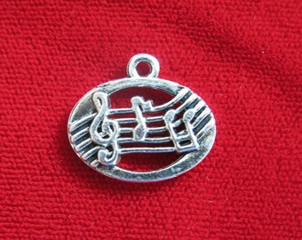 "10pc ""music note"" charms in antique silver style (BC720)"