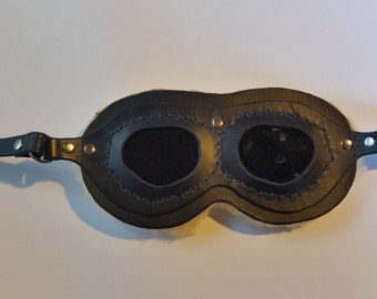 Black lether aviator goggles w/ tinted lenses
