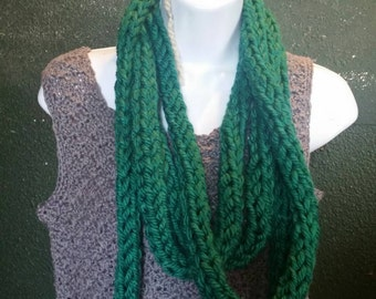 Finger knit infinity scarf (emerald green), handcrafted knit scarf, infinity loop