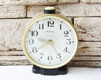 Russian Vintage Alarm Clock Jantar-4jewels Working Brown Clock Retro Clock Mechanical Clock USSR 70s Soviet Vintage Old Clock Retro Home