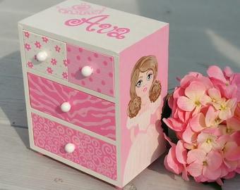 personalized,   jewelry box, pink princess  jewelry box, birthday gift, flower girl gift, bridesmaid gift