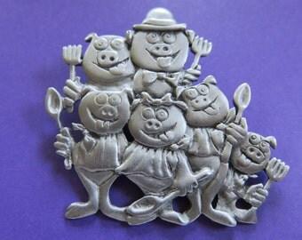 JJ Jonette Whimsical Pig Family Reunion Sunday Dinner Brooch Pin