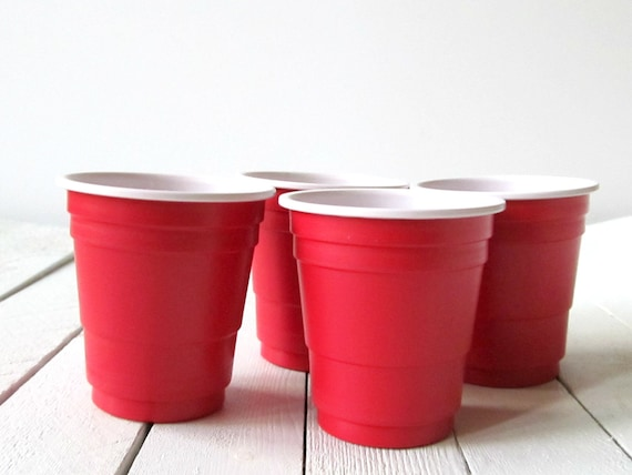 Mini red party plastic cups shot glass 2 oz shot for Small plastic cups