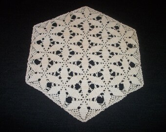 Wonderful OLD STEAMPUNK EDWARDIAN Creamy Hand Crocheted Piece. Tons of Wear
