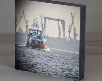 Wood - HVV Hamburg ferry