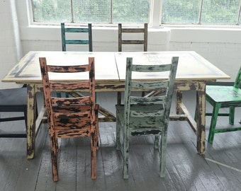 SALE!!! Country style, distressed set of table with 6 chairs