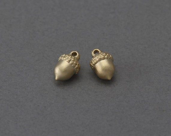 Acorn brass pendant jewelry craft supply 16k matte gold for Acorn necklace craft