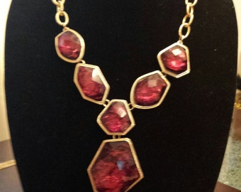 Beautiful Red and Gold Vintage Necklace, adjustable length