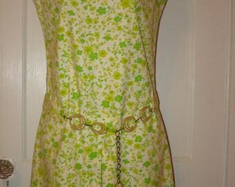 Misses 1967 Mod Culottes, Skort, Romper, Short Jumpsuit & Belt Size 10 Sleeveless Collarless lime green Floral Print