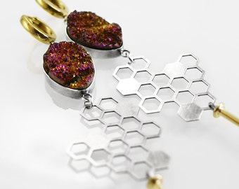 0166 - honeycomb sterling and gold plated silver, metalwork earrings with quartz