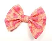 Fille cheveux Bow, cheveux pêche arc - Paisley Hair Bow - Multi Color Hair Bow - cheveux colorés Bow - fille cheveux arc - cheveux Rose Bow