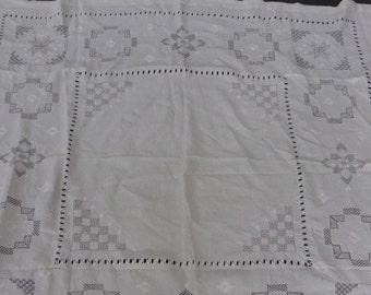 TABLECLOTH, very old, linnen, white color, and embroider, With embroidery geometrical motives