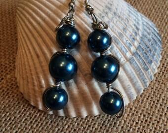 Teal glass pearl Earrings, glass pearl earrings, teal earrings, dangly earrings, teal pearl earrings, teal beaded earrings 3 pearl earrings