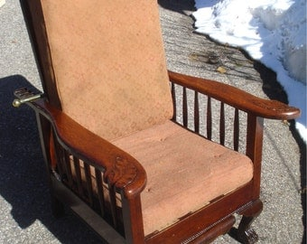 ANTIQUE MORRIS CHAIR  Lions Paws Feet Recliner Pull Out Foot Rest Tiger Oak