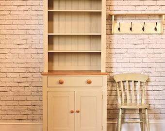 The 3′ Marlow Dresser