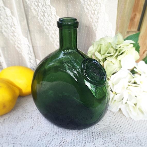 Vintage green glass bottle chile undurraga wine bottle for Green glass wine bottles