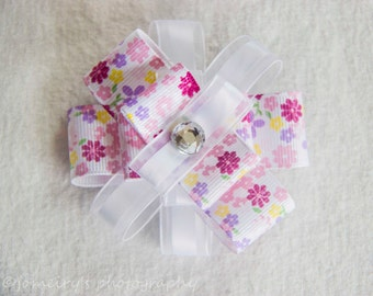 Different shades of pink Flower Hair bow, Flower hair bow, Perfect Spring or Summer Hair bow