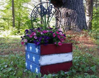 Large Hand Painted and Distressed Primitive American Flag Planter Box, Wooden Planter, Garden Planter, Flower Box, 4th of July Decor