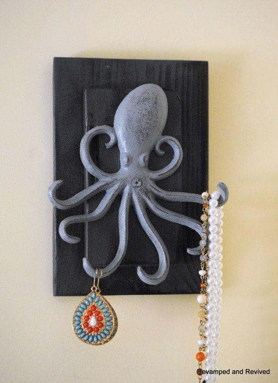 Wall hooks octopus decor octopus art by revampedandrevived - Octopus towel hooks ...