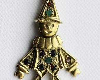 Delightful 9ct gold Articulated clown pendant & chain.