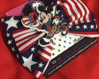 Mickey 4th of july bow