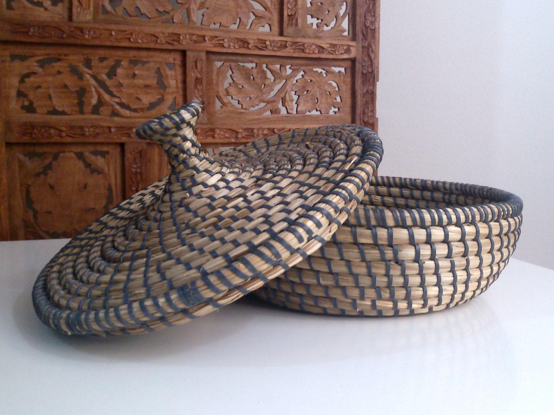 vintage ethnic woven natural basket with lid african. Black Bedroom Furniture Sets. Home Design Ideas