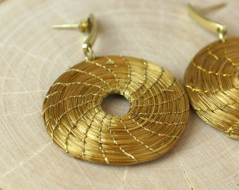 Handwoven Golden Grass Hoop Earrings, Golden Grass Earrings, Organic Earrings, Fiber Earrings, Natural fiber Earrings