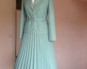 Vintage 2 piece skirt suit by Eastex