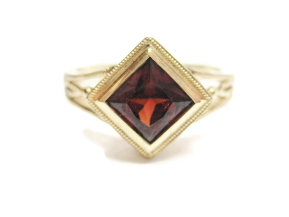 vintage 10k princess cut garnet ring size 7 by