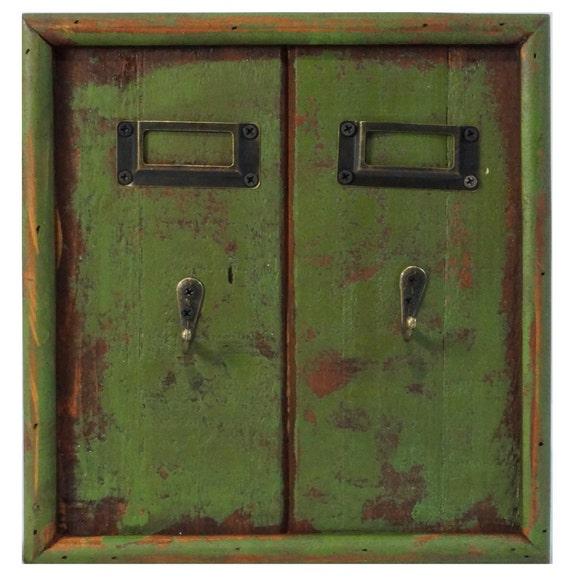 Key rack 2 hook wood rustic green holder decor - Vintage hotel key rack ...